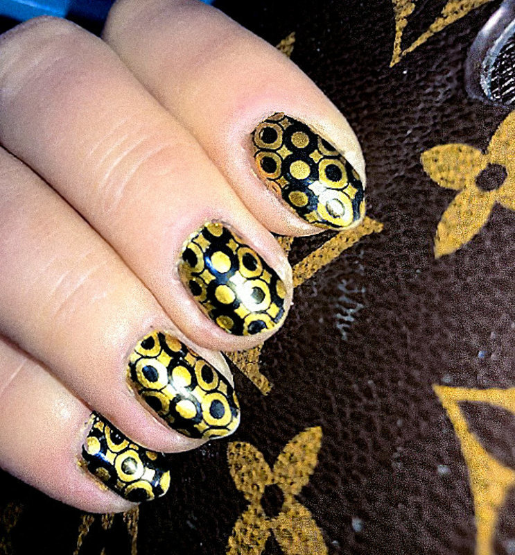 Art Deco nail art by FRANCESCA SPORTELLA