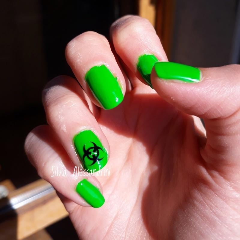 Green biohazard nail art by SilvieTepes