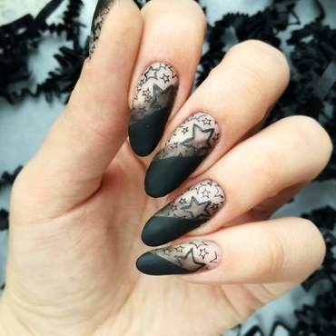 Gwiazdki na paznokciach - negative space nail art by MaliNaila
