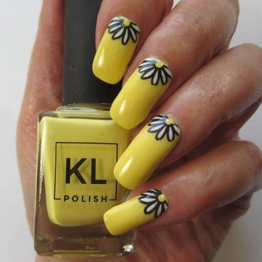 Summer Yellow Nails nail art by NinaB