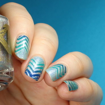 Pattern nail art zigzags thumb370f