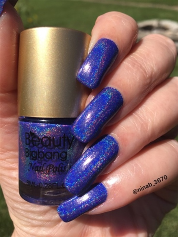 Purple Holo nail art by NinaB