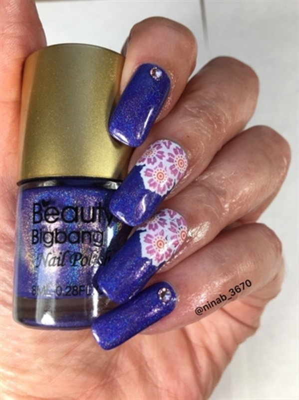 Purple Holo Flowers nail art by NinaB