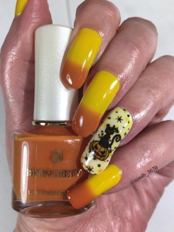 Halloween 19 Thermal nail art by NinaB