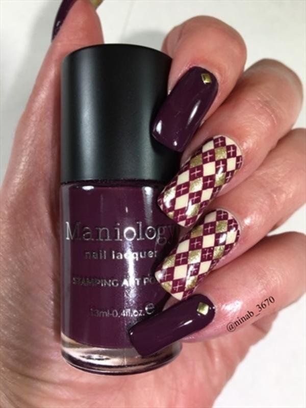 Argyle Nails nail art by NinaB