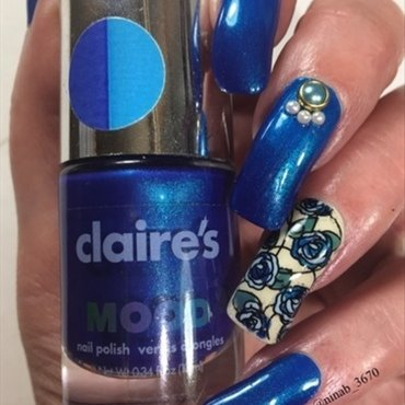 Thermal Blue Roses nail art by NinaB