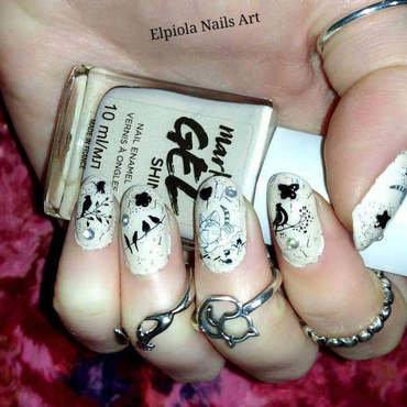 Cats Catching Birds nail art by Elpiola Lluka