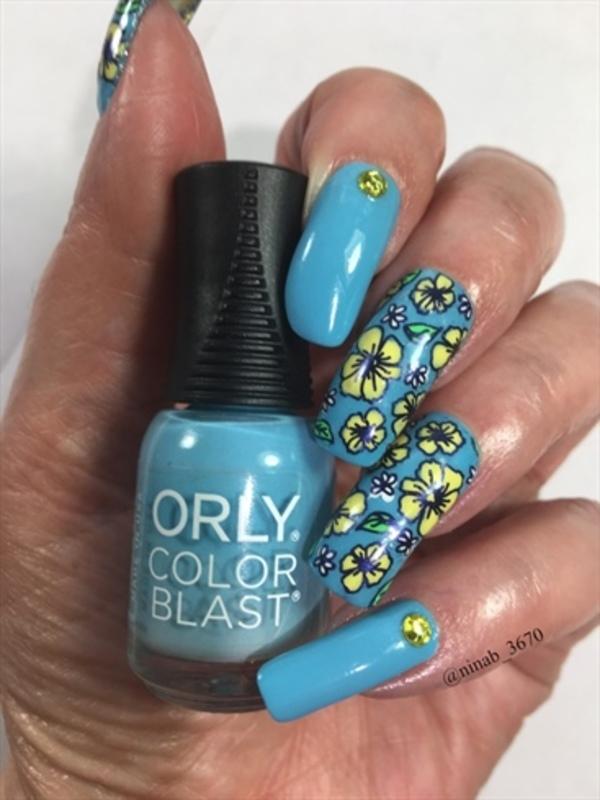 Floral Return nail art by NinaB