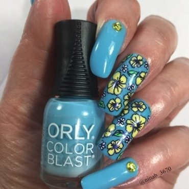 Floral Return nail art by NinaB