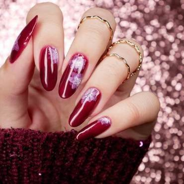 Bordo i kwiaty nail art by MaliNaila