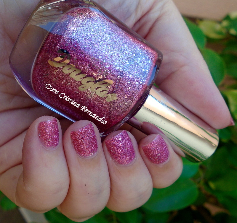 Douglas Lost Without You Swatch by Dora Cristina Fernandes