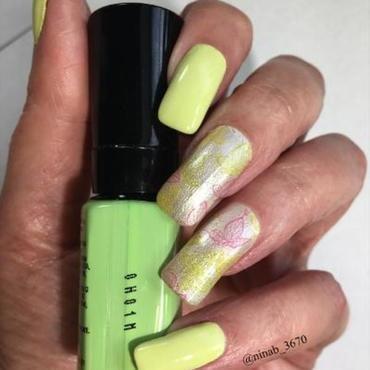 Chartreuse  nail art by NinaB