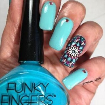 Design of Discontinuance nail art by NinaB