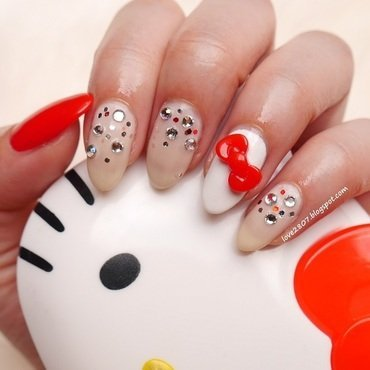 Chic Kitty nail art by Anhy