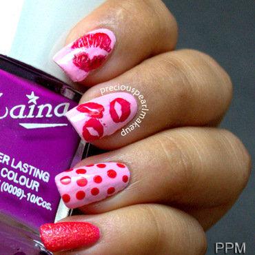 Kisses nail art by Pearl P.