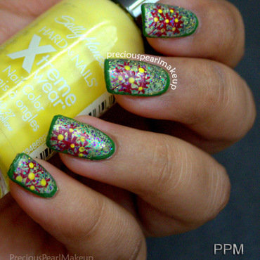Summer Flowers nail art by Pearl P.