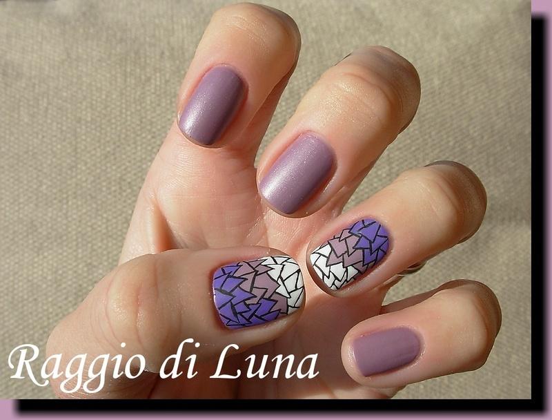 Purple & white triangles mosaic nail art by Tanja