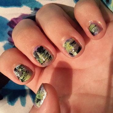 Distressed short nails nail art by Renataremedios
