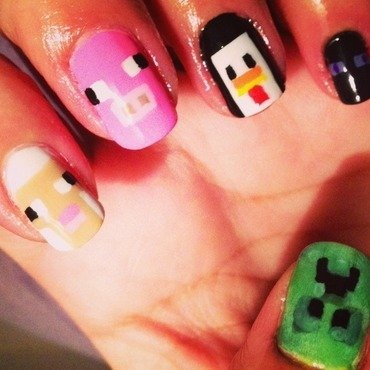 Minecraft gamer nail art by Valeska Escobar