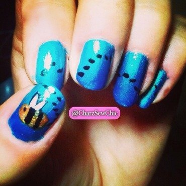 Bizzy bizzy bumble bee! nail art by Charlotte Speller