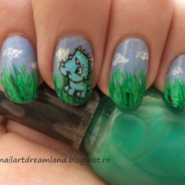 Dino 1 nail art by Sophie