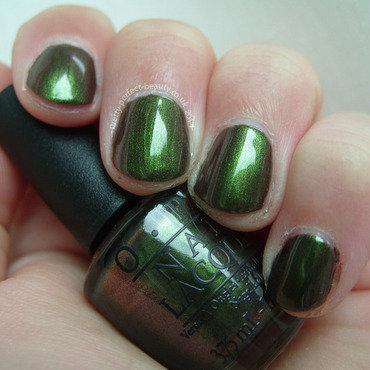 OPI Green On The Runway Swatch by Lina-Elvira