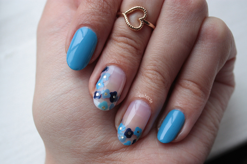 Dotted Flowers nail art by Cutecle