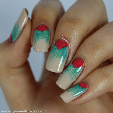 Gradient with V Gaps nail art by Vicky Standage