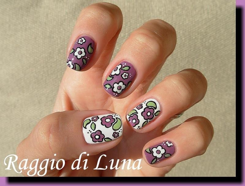 Vintage flowers  nail art by Tanja