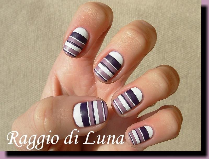 Horizontal stripes purple & white nail art by Tanja