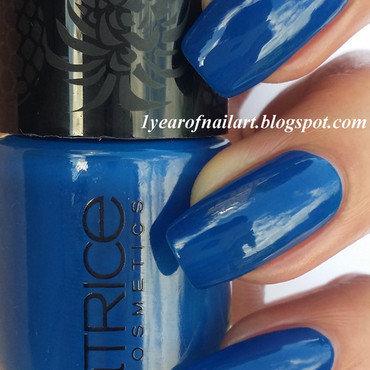Catrice Team Blue Swatch by Margriet Sijperda