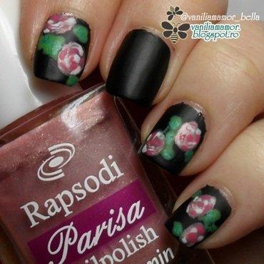 Black-pink vintage roses nail art by Isabella