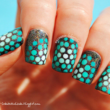 Ombre dots nail art by Olaa