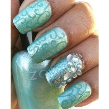 Filigree Mani by Tonya