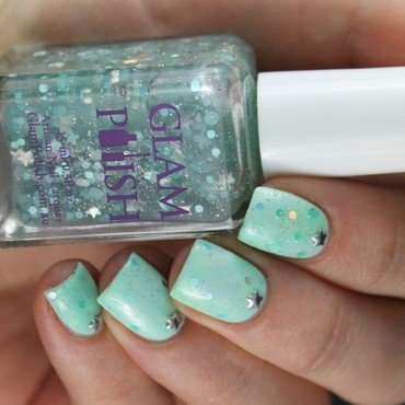 Mint & Stars nail art by Cocosnailss