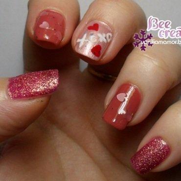 XoXO nail art by Isabella