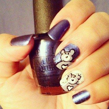 Teddy love nail art by Valeska Escobar