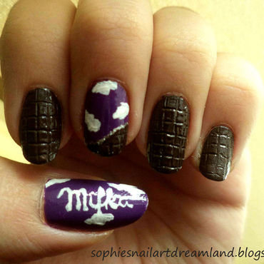 Chocolate nail art by Sophie