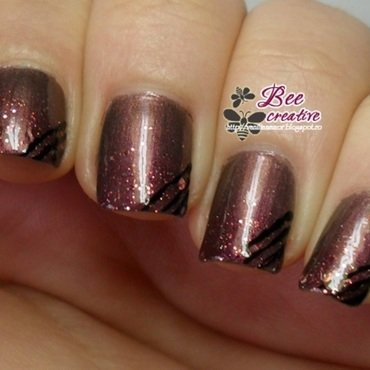 Glitter gradient nail art by Isabella