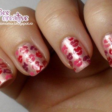 Kisses nail art by Isabella