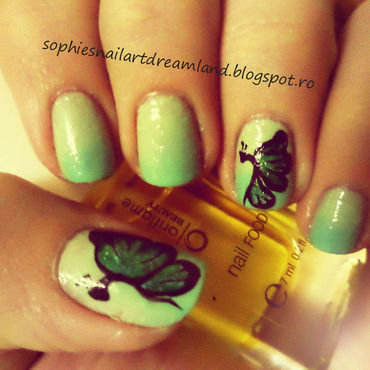 Green butterflies nail art by Sophie