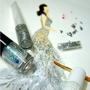 Idina Menzel. nail art by Chan  Clayrene